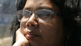 হেমন্ত সন্ধ্যায় যেতে চাই ঝরে
