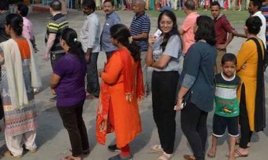 দ্বিতীয় দফা ভোট  শুরু হয়েছে ভারতের লোকসভা নির্বাচনে