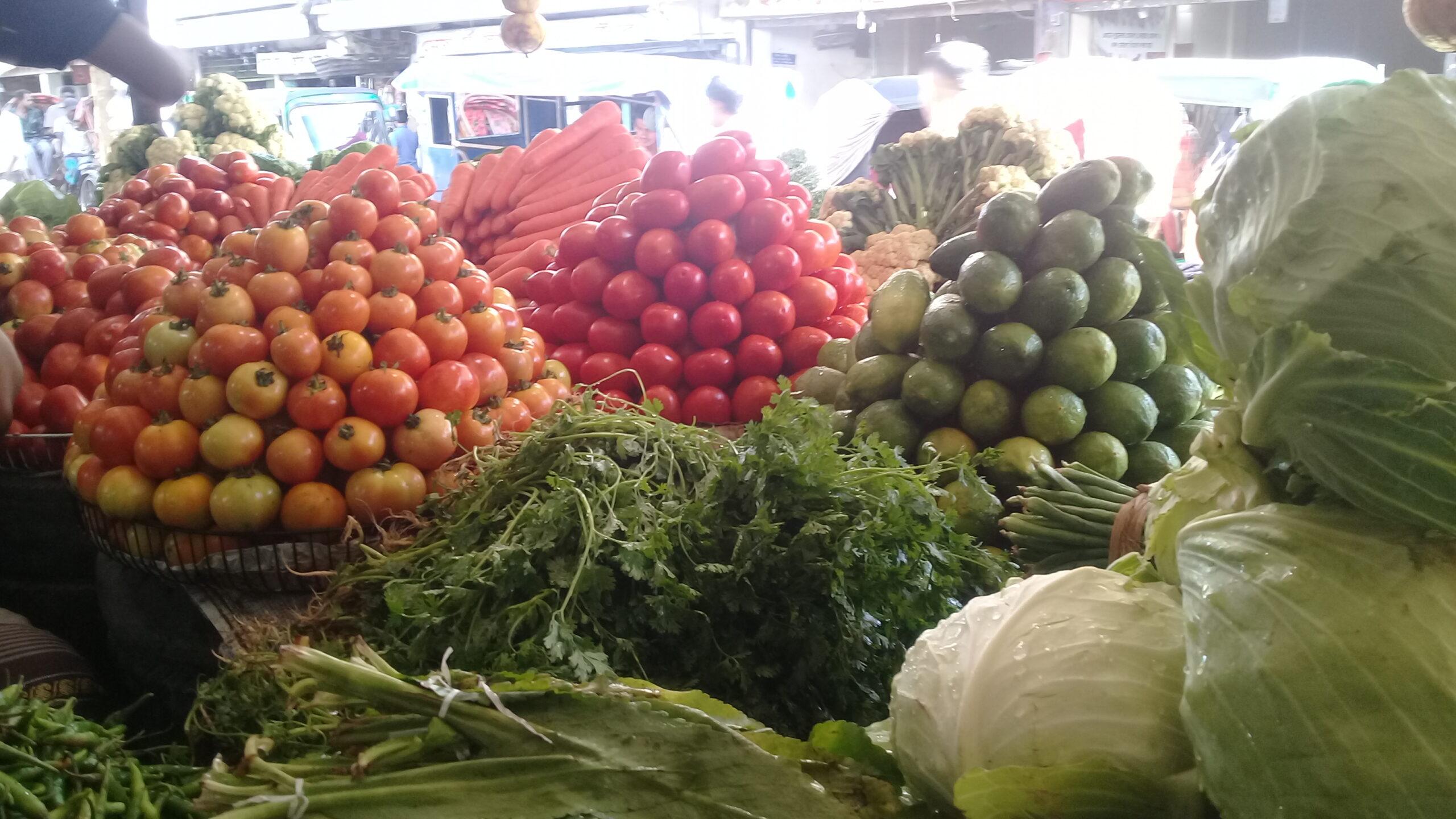 মৌলভীবাজারে সবজির দাম আকাশছোঁয়া,মিলছেনা সরকার নির্ধারিত দামে আলু
