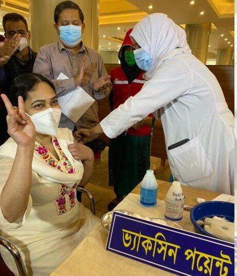 করোনার টিকা নিন, অপপ্রচার বন্ধ করুন