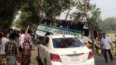 শায়েস্তাগঞ্জে বাস চাপায় টমটম চালক নিহত