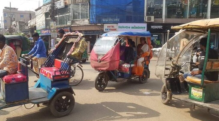 শ্রীমঙ্গলে দেদারসে চলছে অটোরিকশা, রাজস্ব হারাচ্ছে সরকার