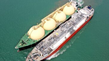 Excelerate touches 2000th Ship-to-Ship LNG transfer milestone in Bay of Bengal