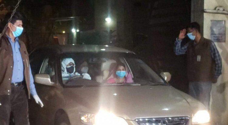 খালেদা জিয়াকে সিটি স্ক্যানের জন্য  এভার কেয়ার হাসপাতালে নেওয়া হয়েছে